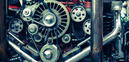 しばしば就職活動において耳にする言葉「機電系」。その機電系という言葉は一体どんな意味をもっているのか?そしてその用途は何か?また。機電系人材に需要はあるのかについてを紹介します。