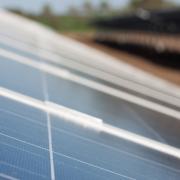新しい太陽光発電!?追尾式太陽光発電とは?その概要や種類、メリット、デメリットを徹底解説!