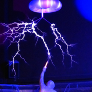 アーク放電とは